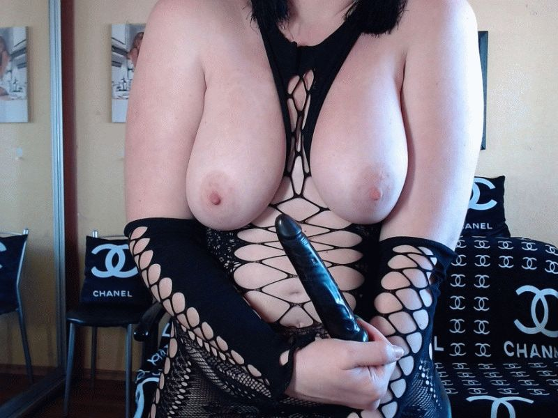 - Ik hou van Welcome to my profile, I really want to make you happy! Do not hesitate I'm looking for my husband